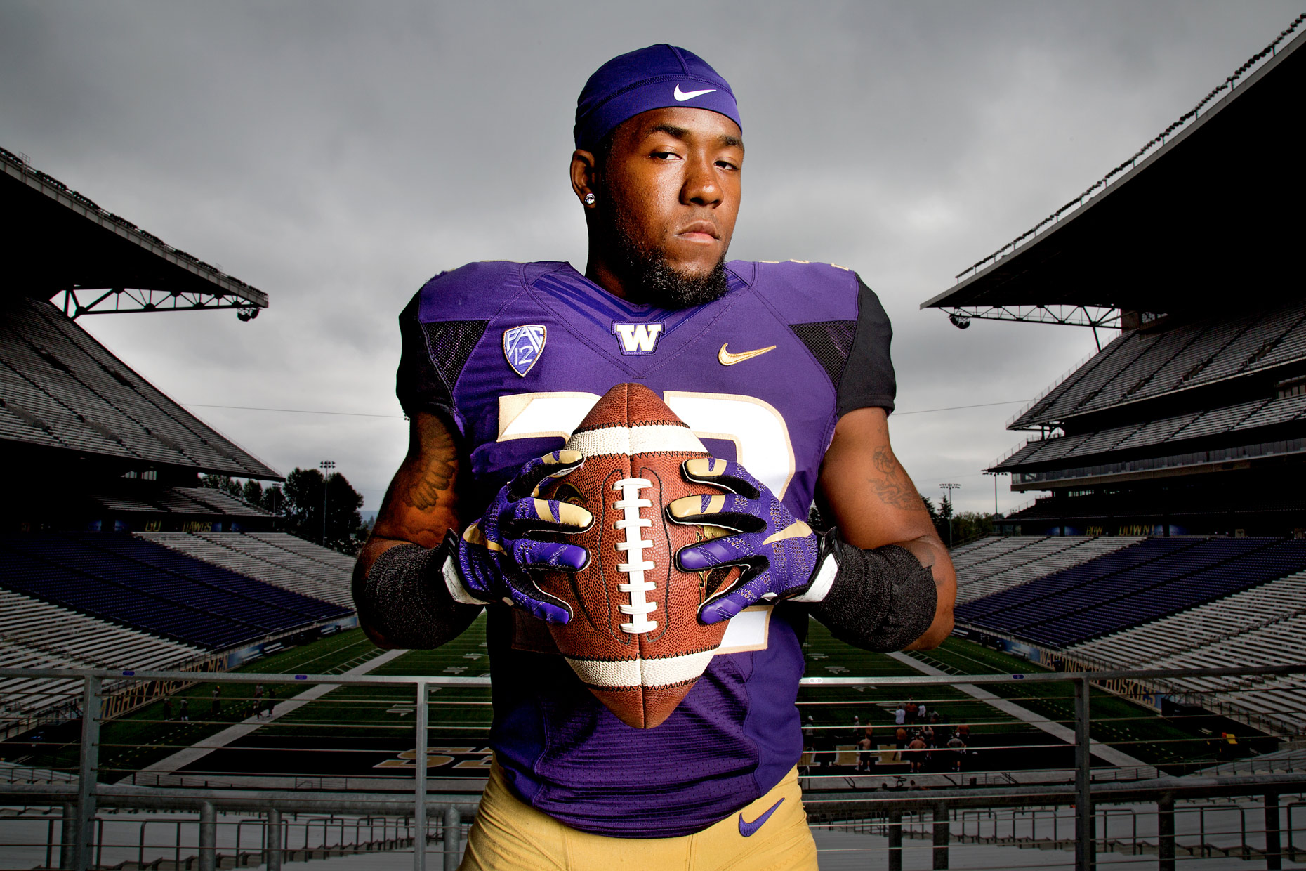 JOHNNY ANDREWS PHOTOGRAPHY :: PORTRAITURE :: University of Washington defensive back Budda Baker