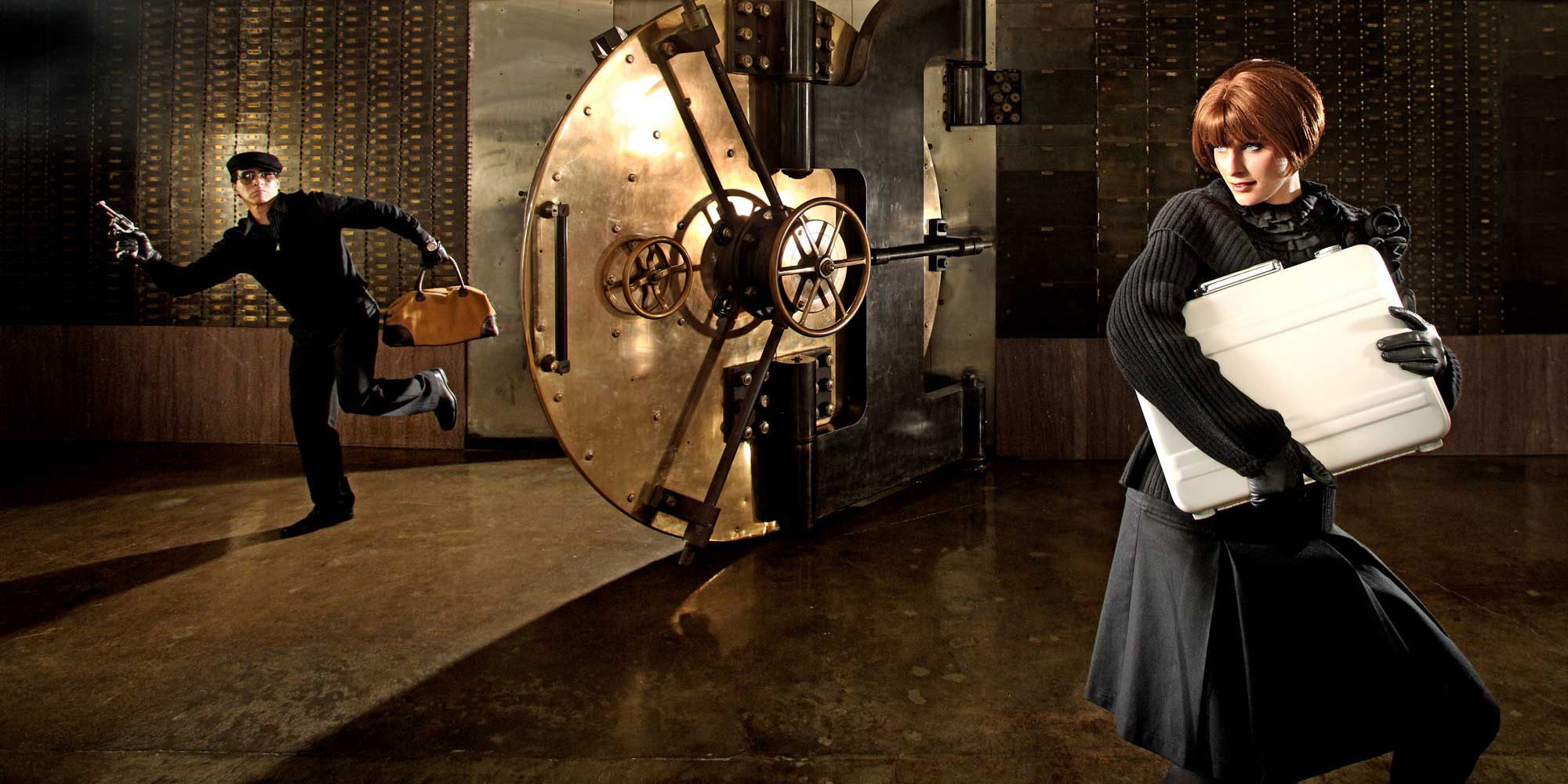 JOHNNY ANDREWS PHOTOGRAPHY :: COMMERCIAL :: Bank vault